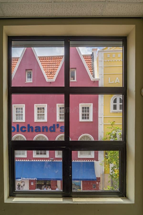 Vista della finestra - punti di vista di Punda Curacao fotografia stock