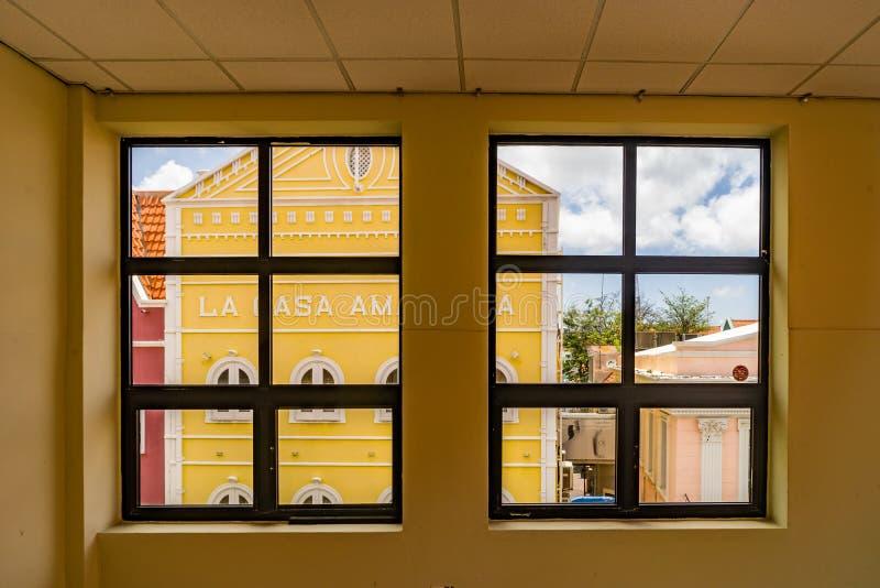 Vista della finestra - punti di vista di Punda Curacao fotografia stock libera da diritti