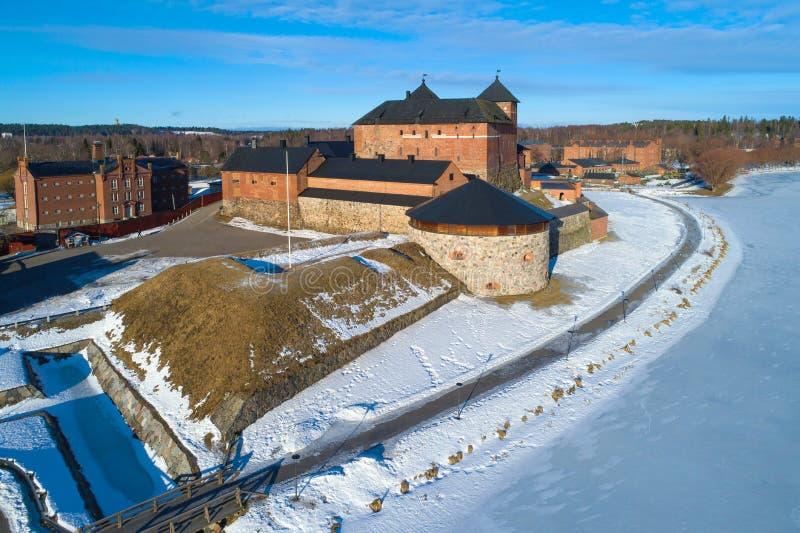 Vista della fortezza antica, rilevamento aereo soleggiato di giorno di marzo Hameenlinna, Finlandia fotografia stock