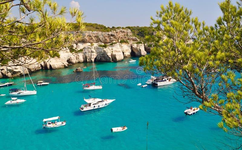 Vista della laguna dell'isola di Menorca fotografia stock