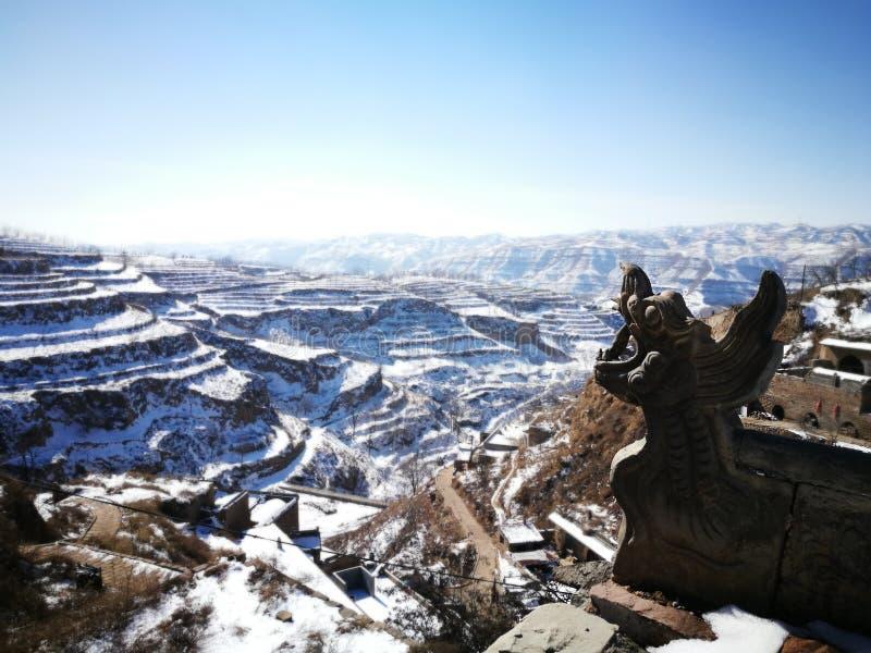 Vista della neve dal villaggio antico di Lijia Shanxi La Cina fotografia stock