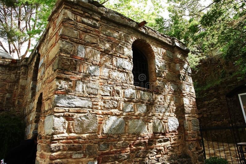 Vista della parete con la finestra incurvata della Camera del Virg immagini stock libere da diritti