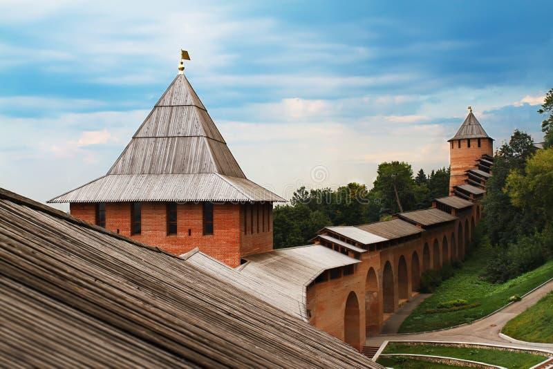 Vista della parete di Cremlino in Nižnij Novgorod fotografia stock libera da diritti