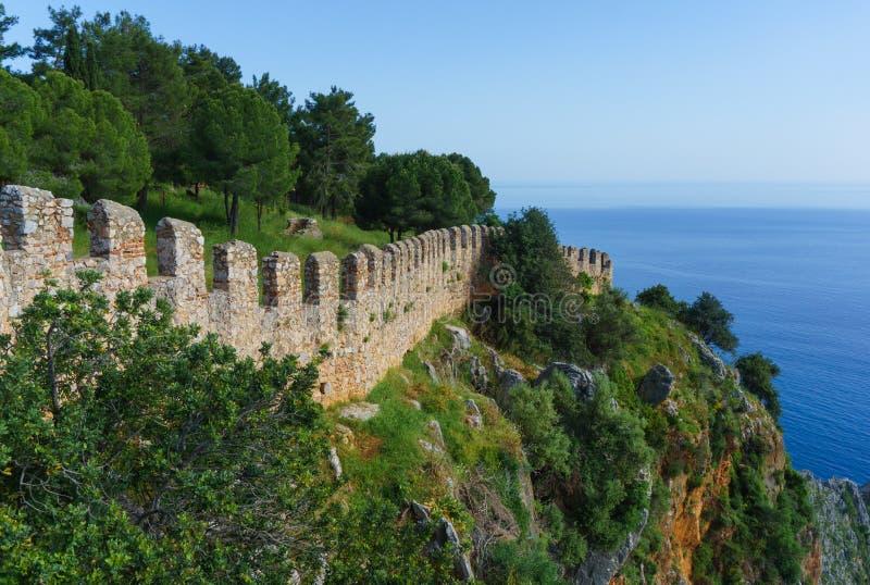 Vista della parete della fortezza in alanya fotografia stock