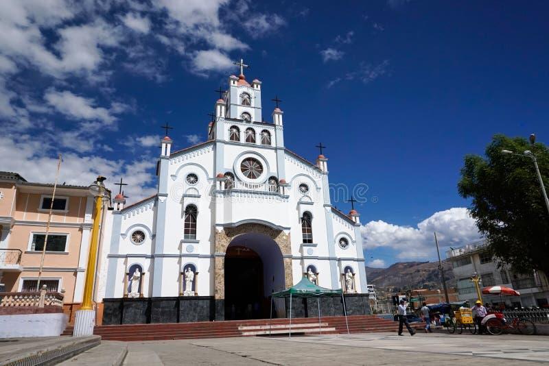 Vista della parte anteriore e del campanile della chiesa di Soledad della La di Iglesia del Senor de in Huaraz immagine stock libera da diritti