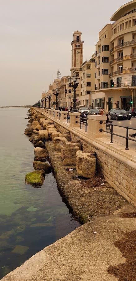 Vista della promenade di Bari, costa di mare nella città, Italia fotografie stock libere da diritti