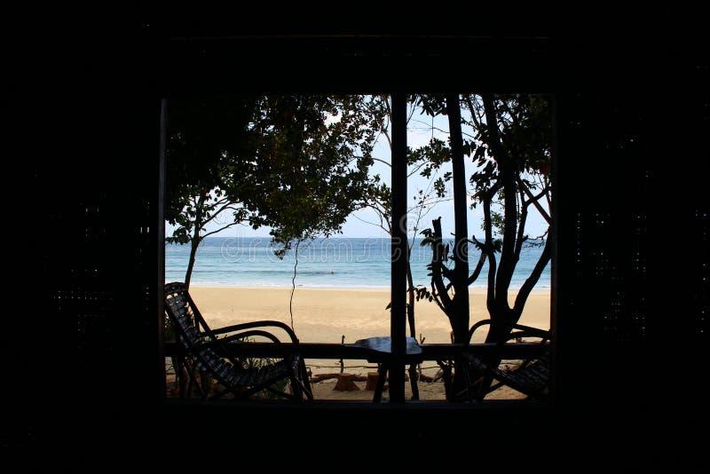 Vista della spiaggia del bungalow vicino a Dawei Myanmar immagini stock libere da diritti