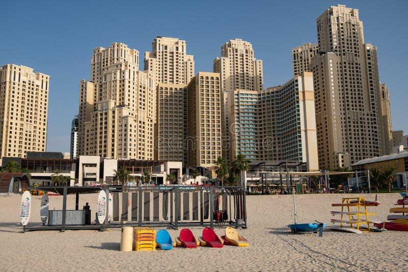 Vista della spiaggia del porticciolo del Dubai, Emirati Arabi Uniti immagine stock
