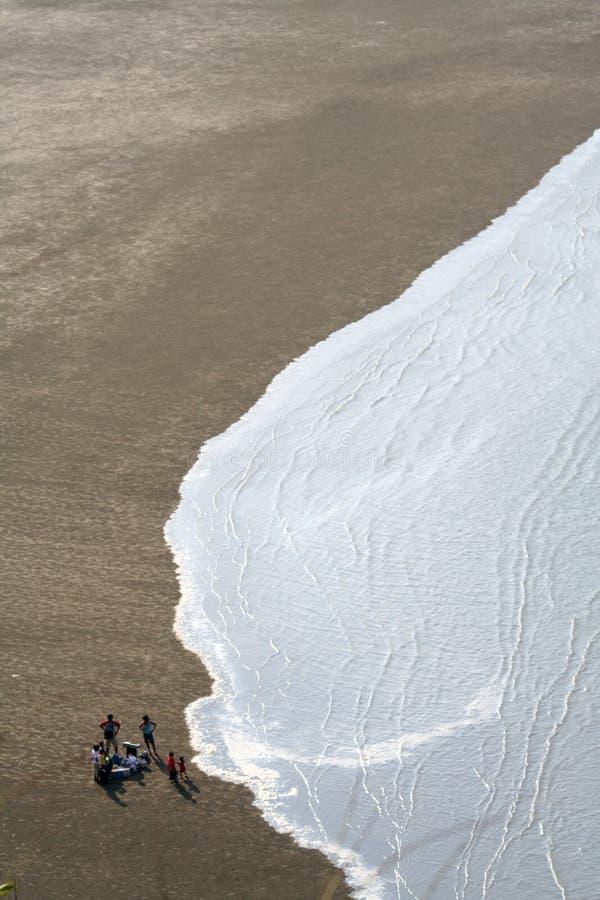 Vista della spiaggia dell'occhio degli uccelli immagine stock libera da diritti