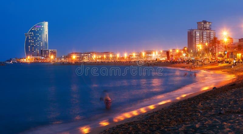 Vista della spiaggia di Barceloneta a Barcellona fotografie stock libere da diritti
