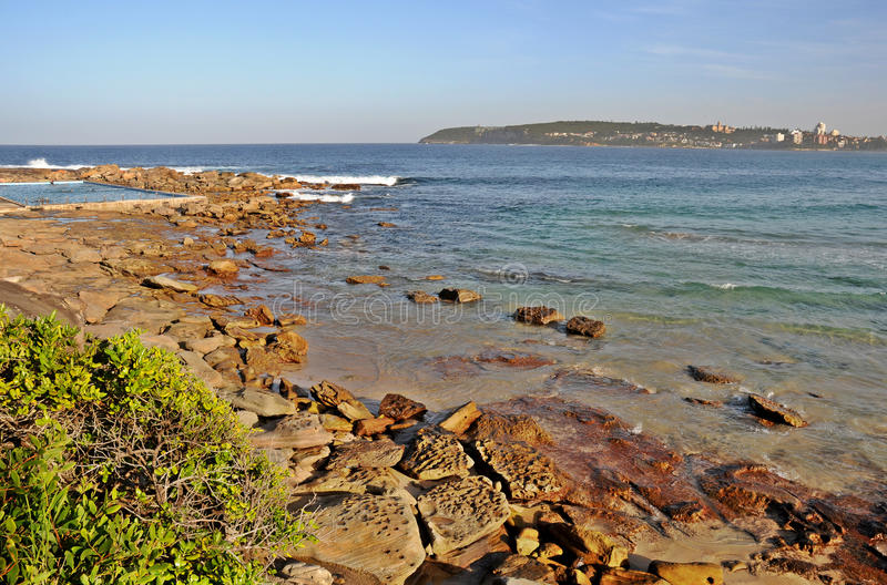 Vista della spiaggia di Narrabeen fotografie stock