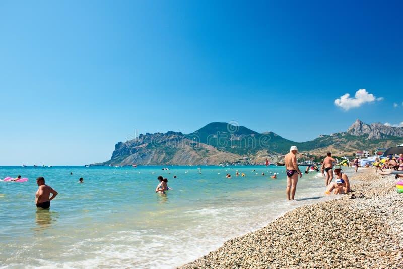 Vista della spiaggia in Koktebel, Crimea. L'Ucraina fotografie stock