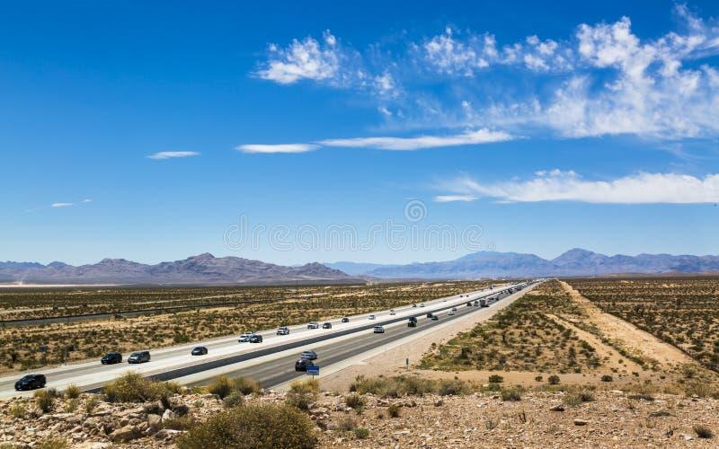 Vista della strada principale 15 vicino a Las Vegas, Nevada, Stati Uniti d'America, Nord America fotografia stock libera da diritti