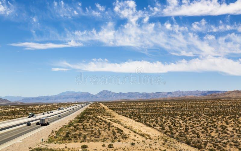 Vista della strada principale 15 vicino a Las Vegas, Nevada, Stati Uniti d'America, Nord America immagini stock libere da diritti