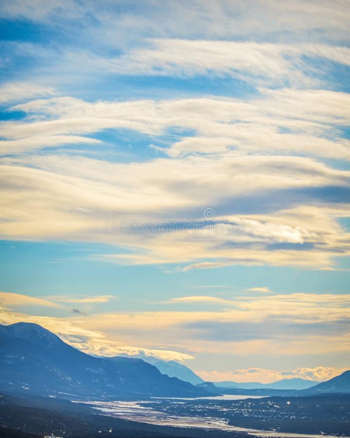 Vista della valle di Colombia dal Mt Swansea vicino a Invermere, BC fotografia stock