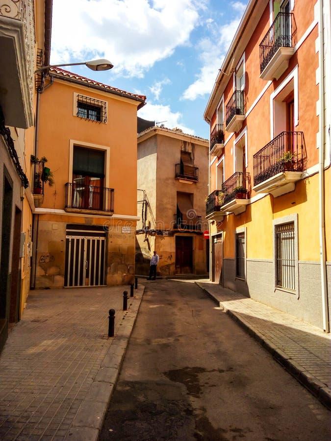 Vista della via della città di Novelda fotografia stock libera da diritti
