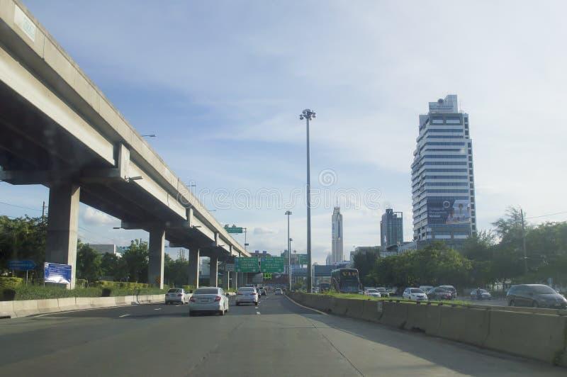 Vista della via della strada di Daeng di baccano in Tailandia fotografia stock libera da diritti