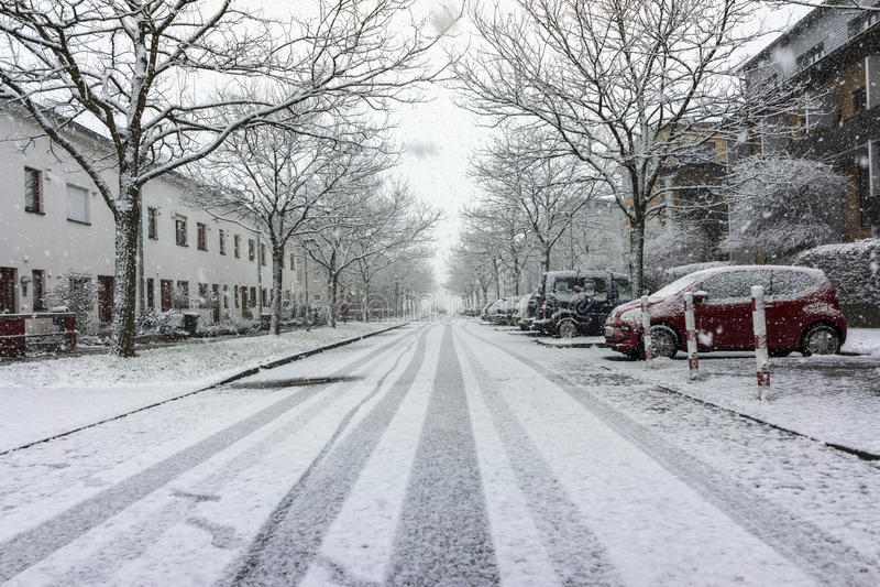 Vista della via di Hannover al giorno di inverno fotografie stock