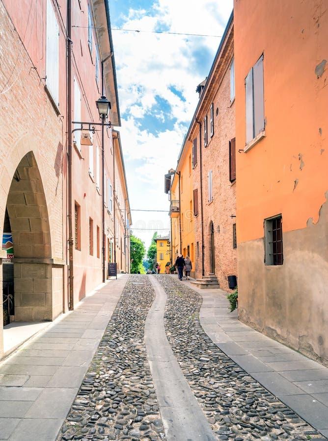 Vista della via in Di Modena, Italia di Castelvetro immagini stock libere da diritti