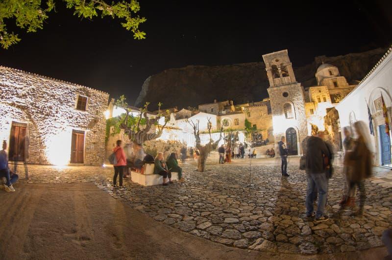 Vista della via di notte del castello medival di Monemvasia da sopra fotografia stock libera da diritti