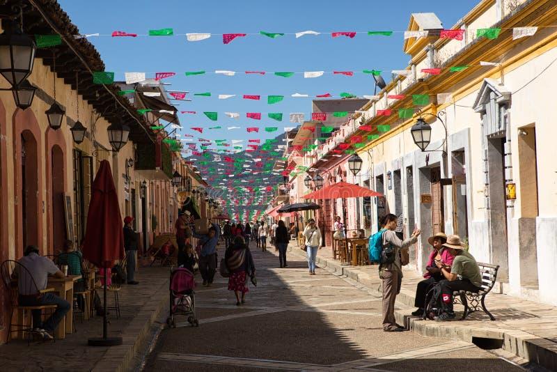 Vista della via di San Cristobal de Las Casas Messico fotografia stock