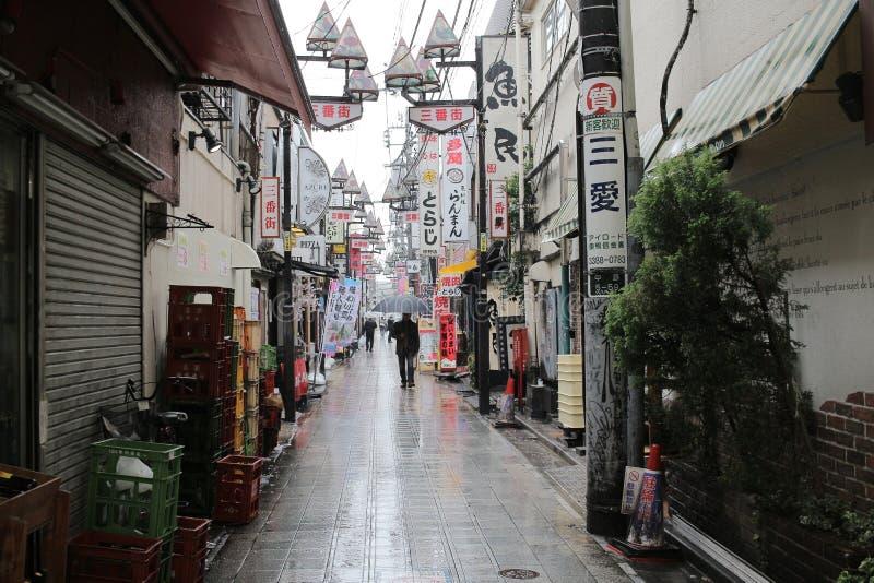 Vista della via a Nakano Tokyo immagini stock