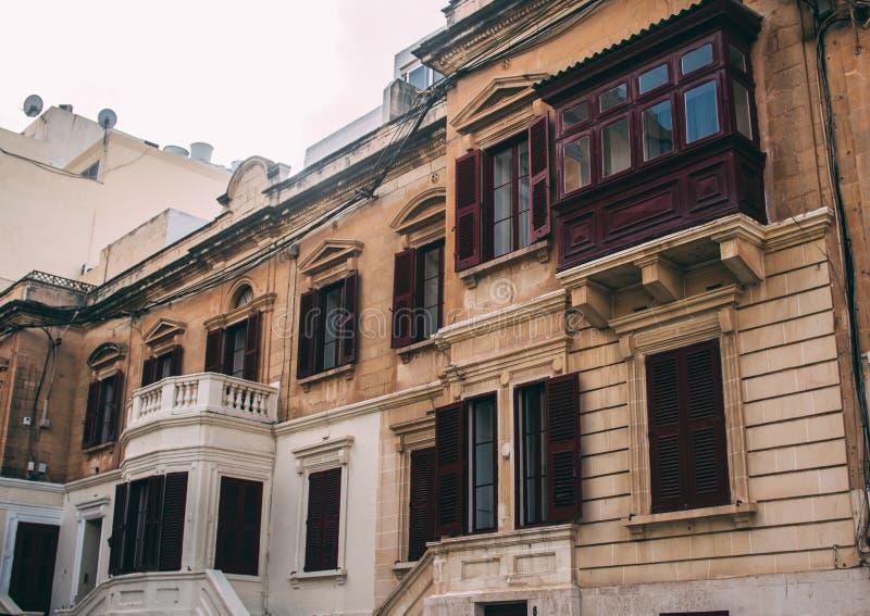 Vista della via in Sliema, Malta fotografia stock
