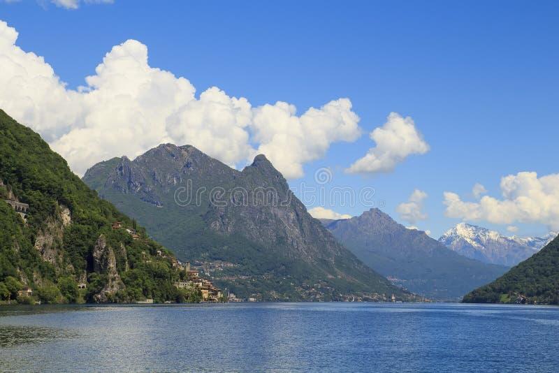 Vista delle alpi switzerland fotografia stock