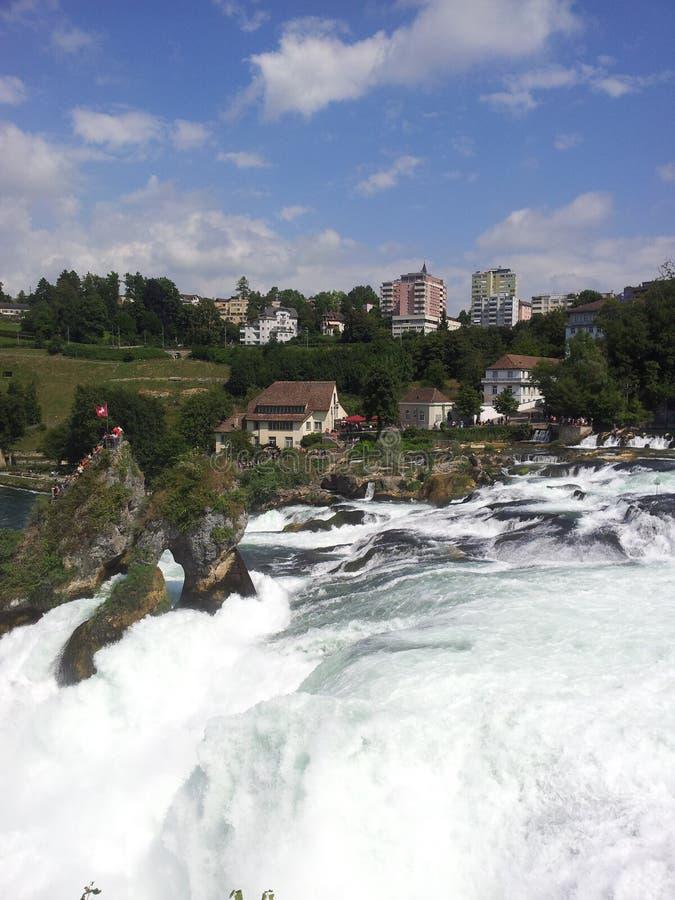 Vista delle cascate del Reno, Svizzera fotografie stock libere da diritti