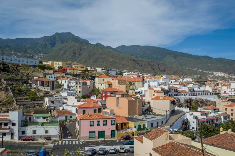 Vista delle isole Canarie tipica della città, Candelaria fotografia stock libera da diritti