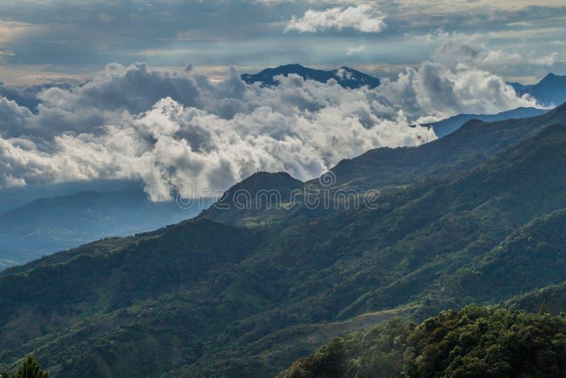 Vista delle montagne nel Panama, vulcano di Baru nel backgrou fotografia stock libera da diritti