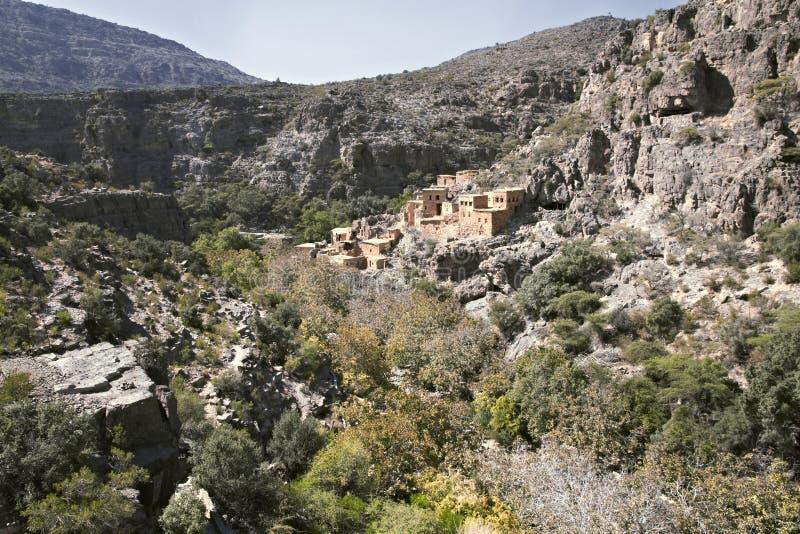 Vista delle rovine di un villaggio abbandonato a Wadi Bani Habib a immagine stock