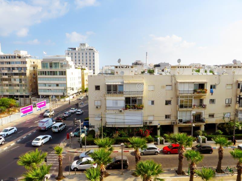 Vista delle vie di Tel Aviv Attrazione turistica della città Un'estate di 2018 fotografie stock