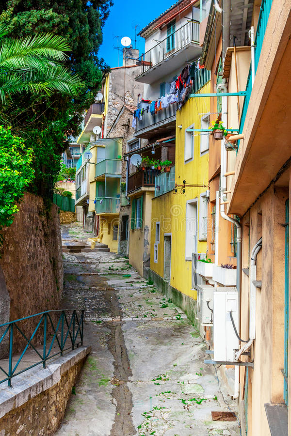 Vista delle vie Villefranche-sur-Mer, Nizza, Riviera francese fotografia stock libera da diritti