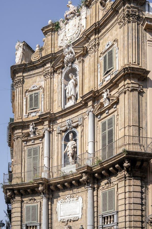 Vista detalhada de Quattro Canti ou quatro cantos em Palermo, Sicília fotografia de stock royalty free