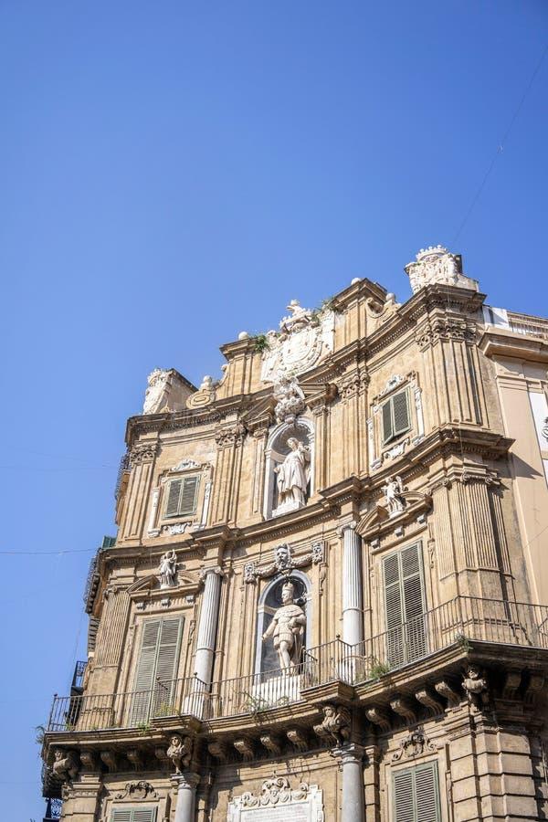 Vista detalhada de Quattro Canti ou quatro cantos em Palermo, Sicília foto de stock royalty free