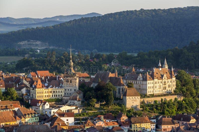 Vista di alba di Sighisoara in Romania immagini stock