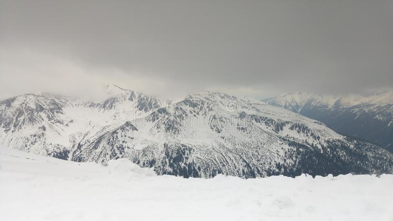 Vista di alte montagne di Tatras fotografie stock libere da diritti