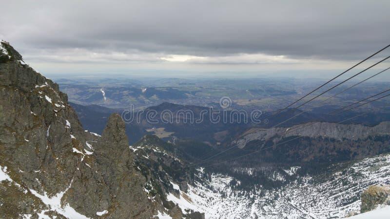 Vista di alte montagne di Tatras fotografia stock