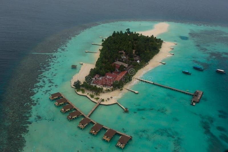 Vista di Arial dell'isola di vacanze tropicale nell'Oceano Indiano immagine stock libera da diritti
