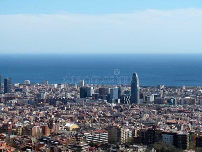 Vista di Barcellona, Spagna, dalla collina del bunker nella parte superiore della città immagine stock