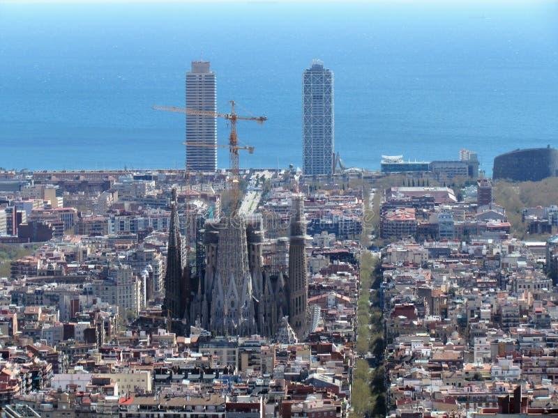 Vista di Barcellona, Spagna, dalla collina del bunker nella parte superiore della città fotografia stock libera da diritti