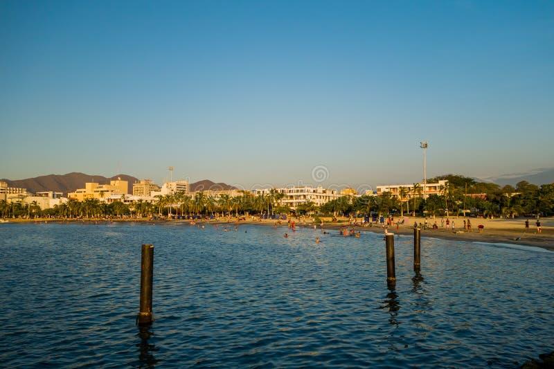 Vista di Beautful della spiaggia in Santa Marta, Colombia fotografia stock libera da diritti