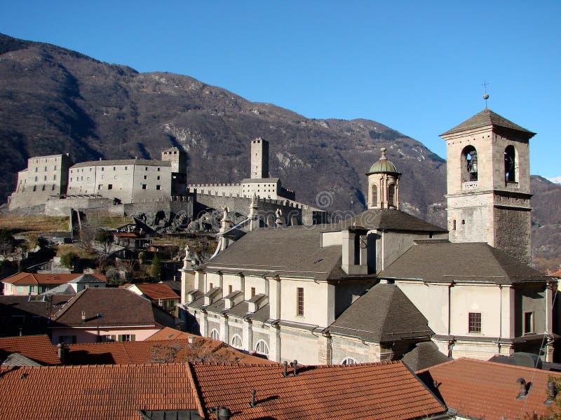 Download Vista di Bellinzona immagine stock. Immagine di switzerland - 3876385