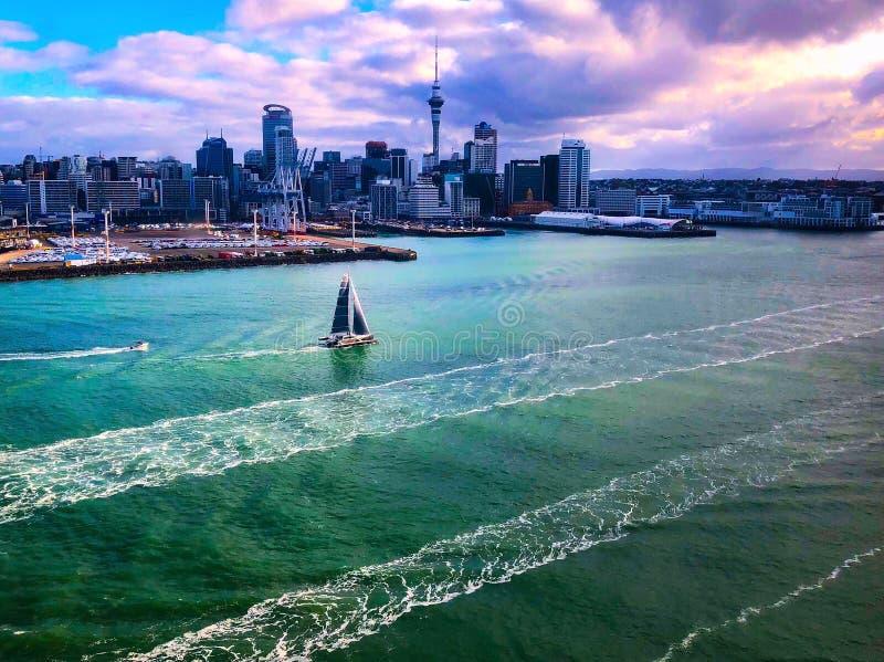 Vista di Birdseye di Auckland immagini stock