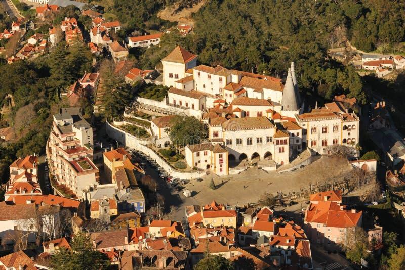 Vista di Birdseye del palazzo nazionale. Sintra. Il Portogallo fotografia stock