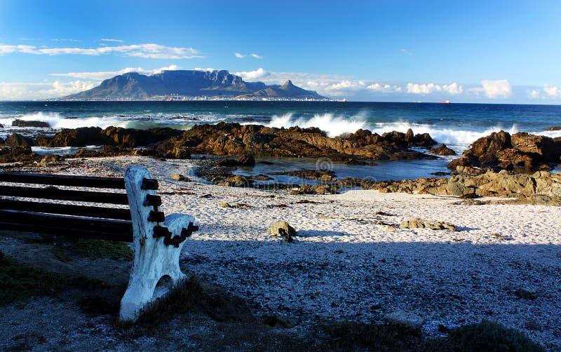 Vista di Cape Town e della montagna della Tabella fotografia stock libera da diritti