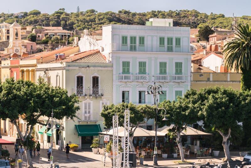 Vista di Carloforte, San Pietro Island, Sardegna, Italia immagine stock