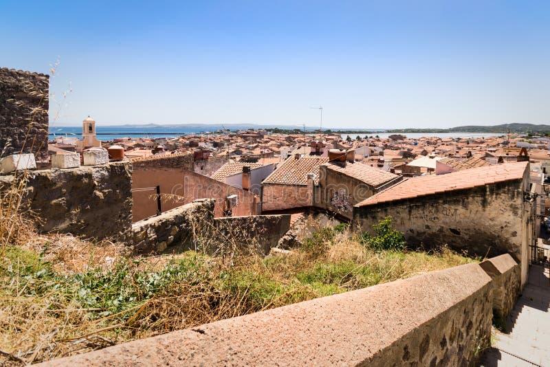 Vista di Carloforte, San Pietro Island, Sardegna, Italia fotografie stock libere da diritti