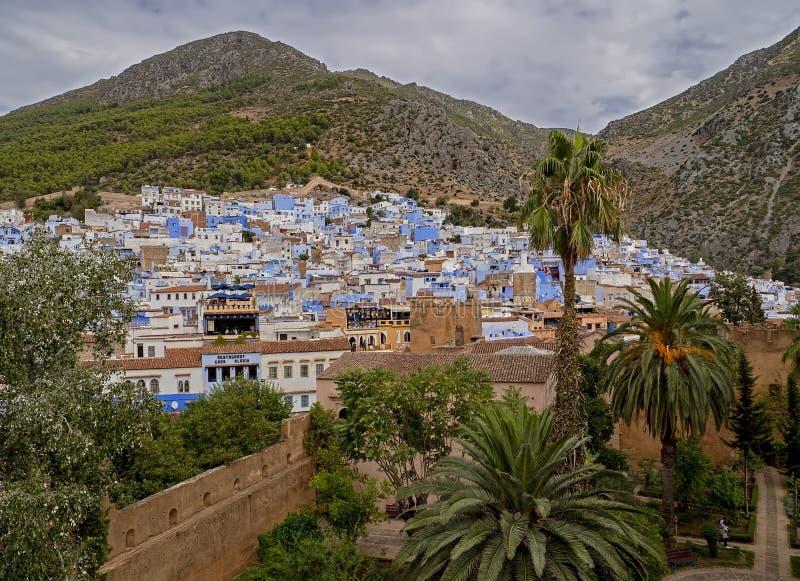 Vista di Chefchaouen, Marocco dalla torre di Kasbah fotografia stock